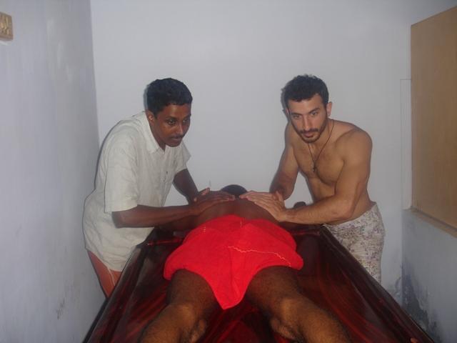 Four Hands Massage, Ottopalam